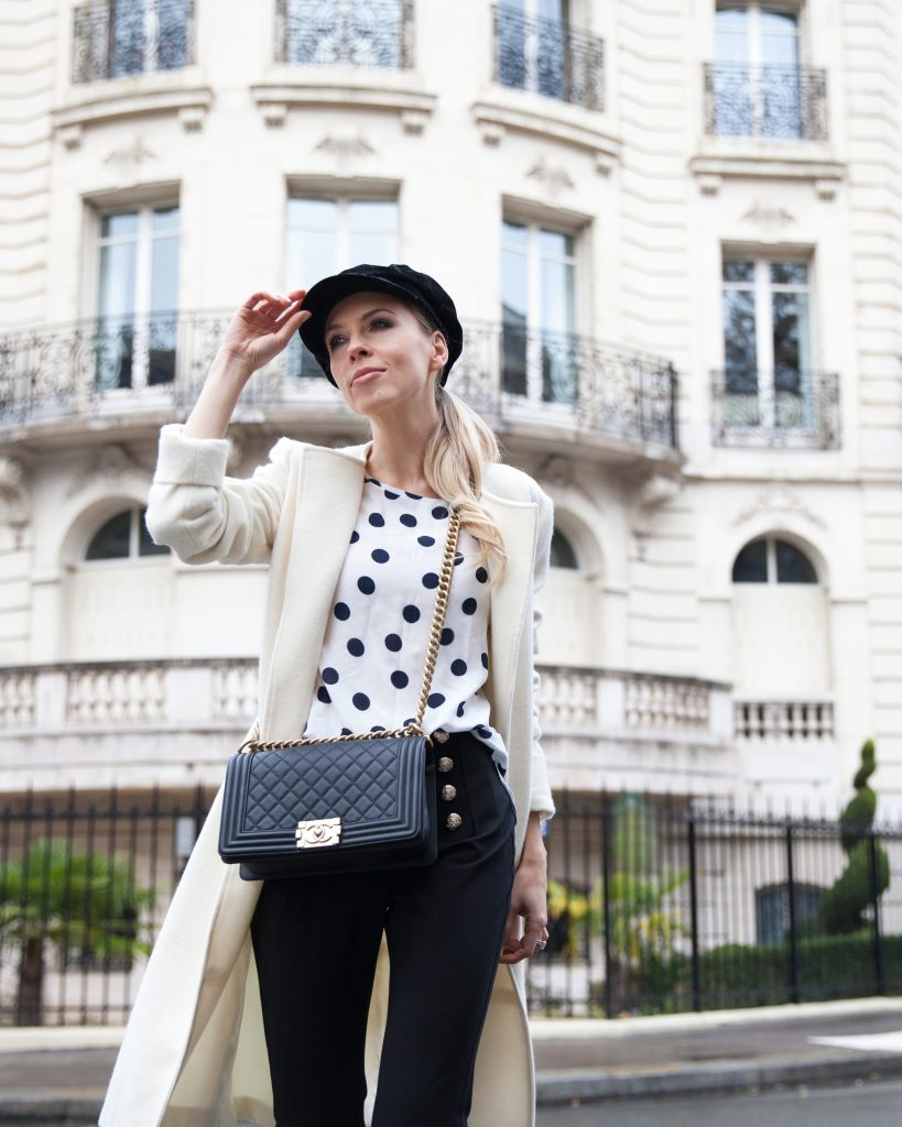 three dots styled in Paris
