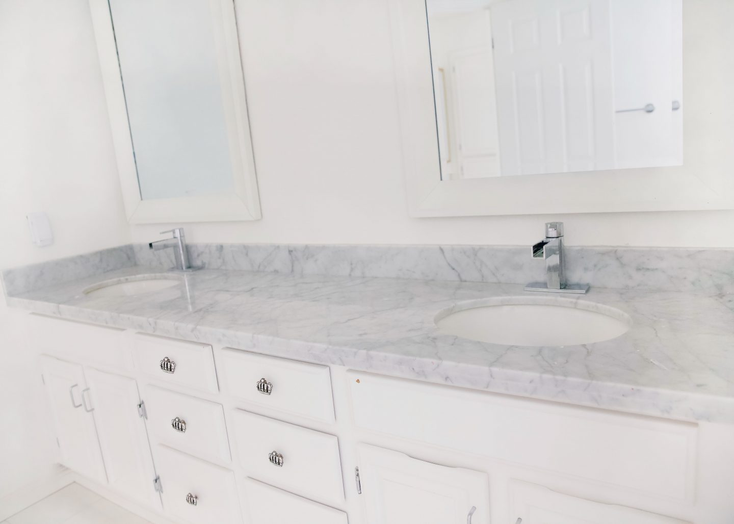 Wayfair colorful bathroom remodel before and after featured by top US lifestyle blog, Lombard and Fifth