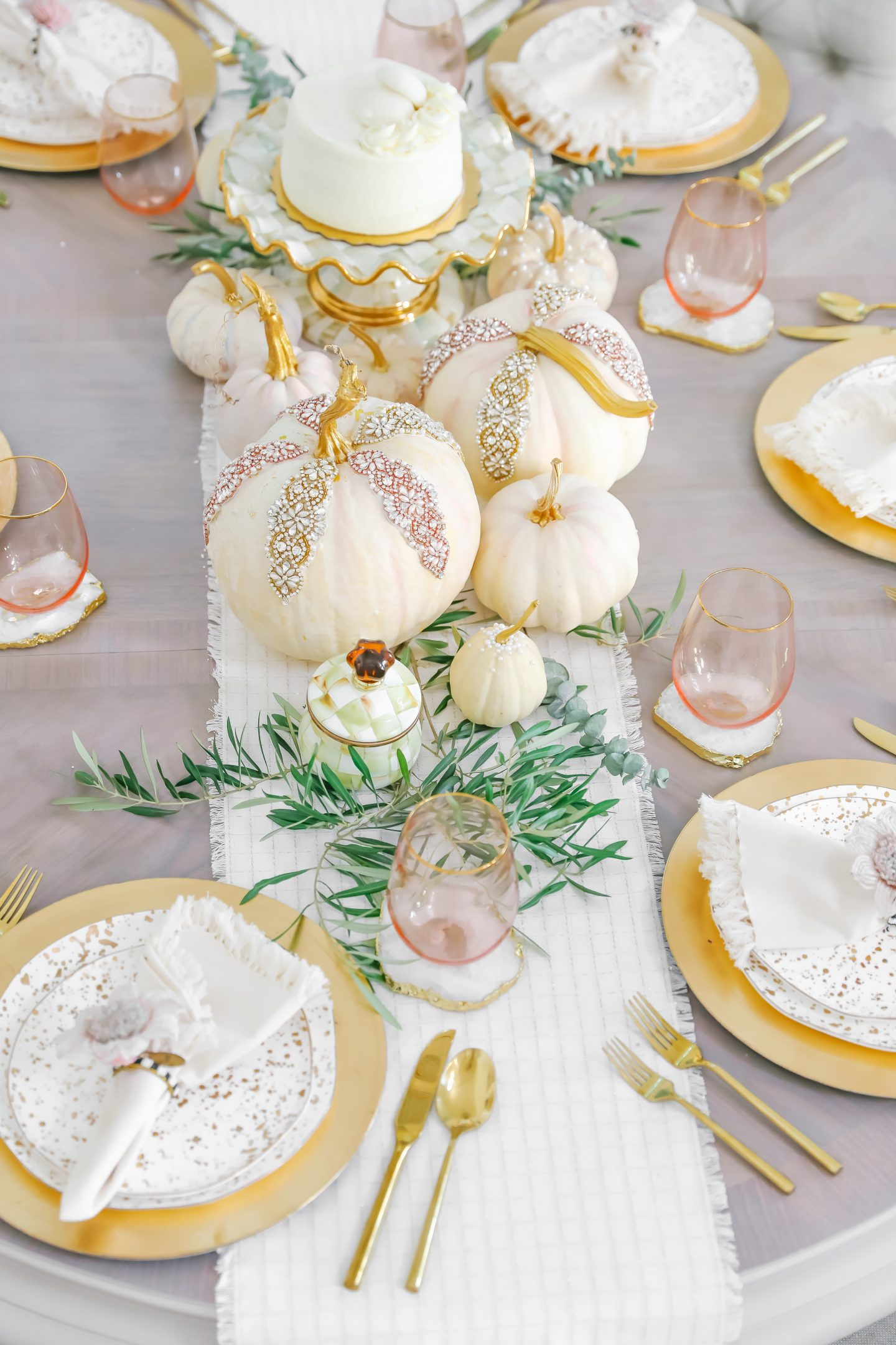 Thanksgiving table scape décor ideas, by top San Francisco fashion blogger Lombard and Fifth.
