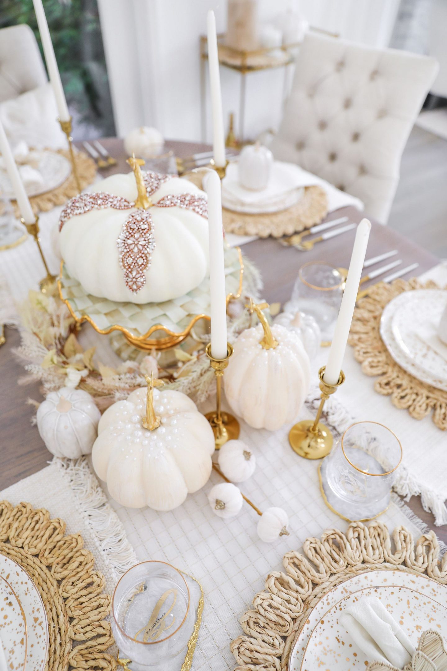 Neutral glam fall table scape décor, farm house style, by lifestyle blogger Lombard & Fifth