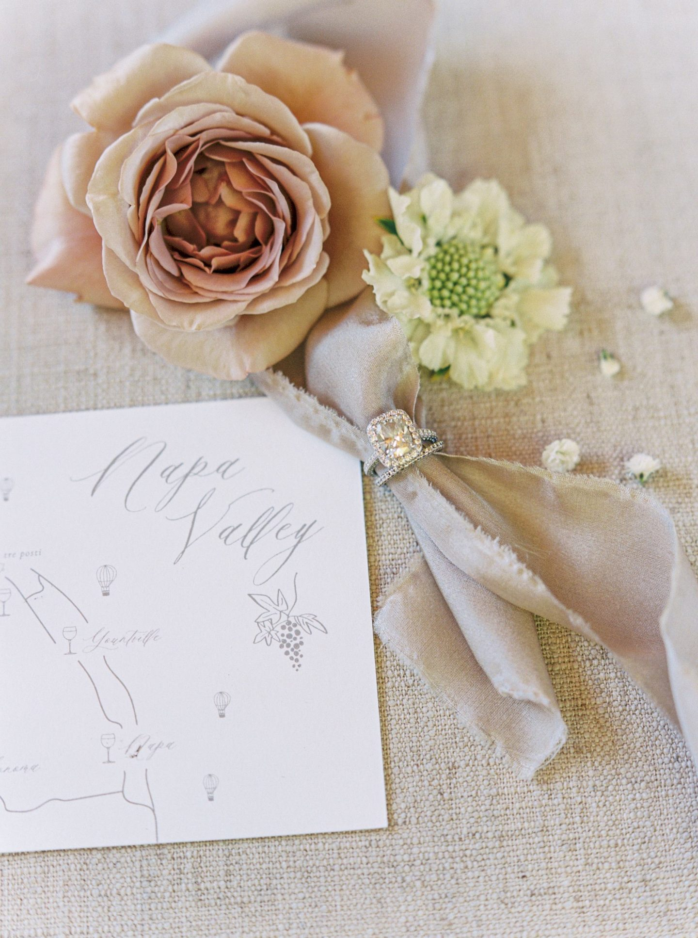 Napa wedding inspiration, winery bride with neutral floral wedding décor. By San Francisco fashion blogger Lombard & Fifth.