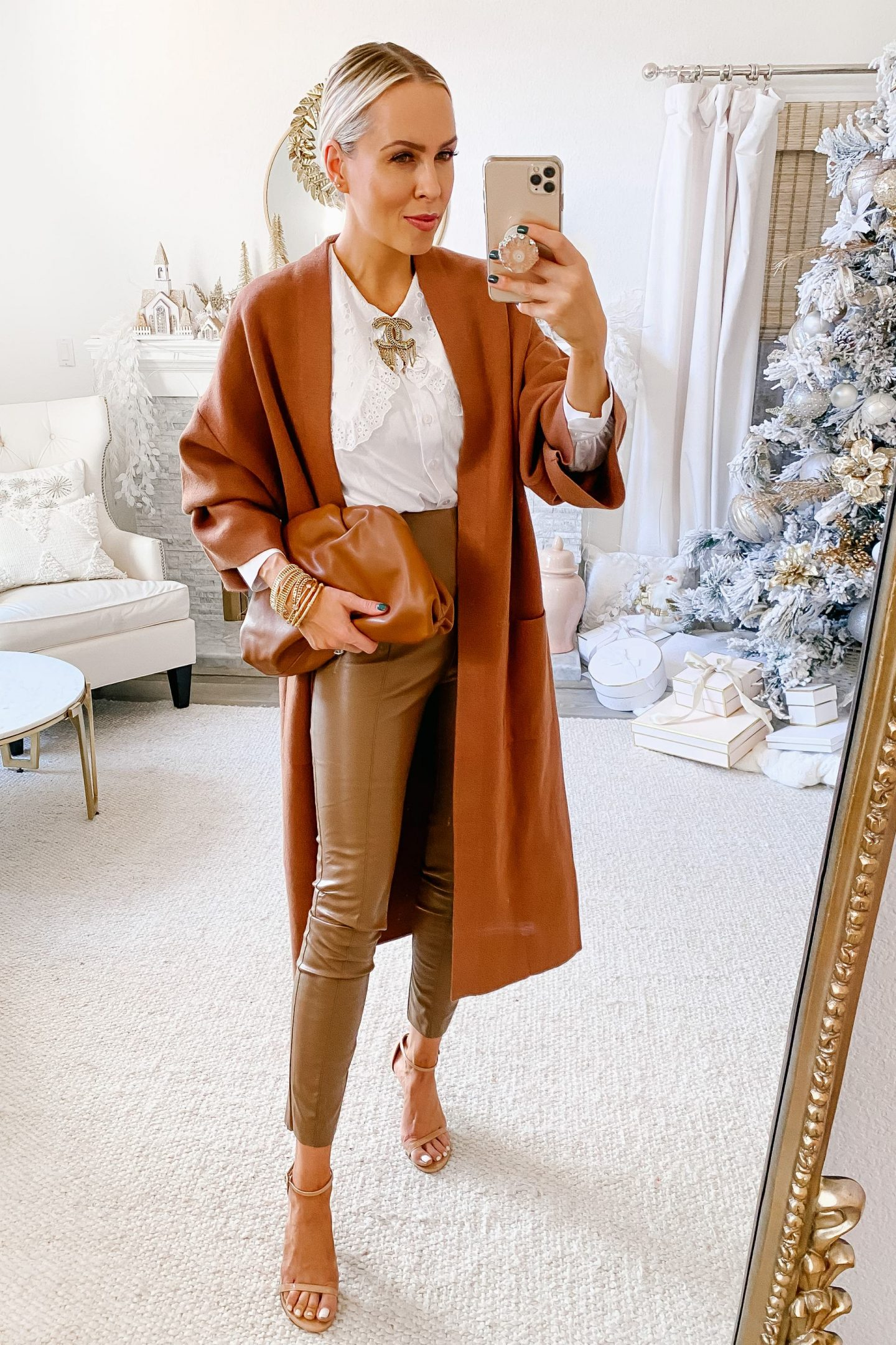 Neutral layers styling ideas, for fall and winter, featured by San Francisco fashion blogger Lombard & Fifth Veronica Levy.